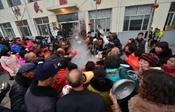 东贾村:千人同吃饺子宴,村民集体过大年