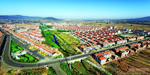 """""""中国北方第一古镇""""为目标,高标准规划,大力度投资,全镇产业结构,经济"""
